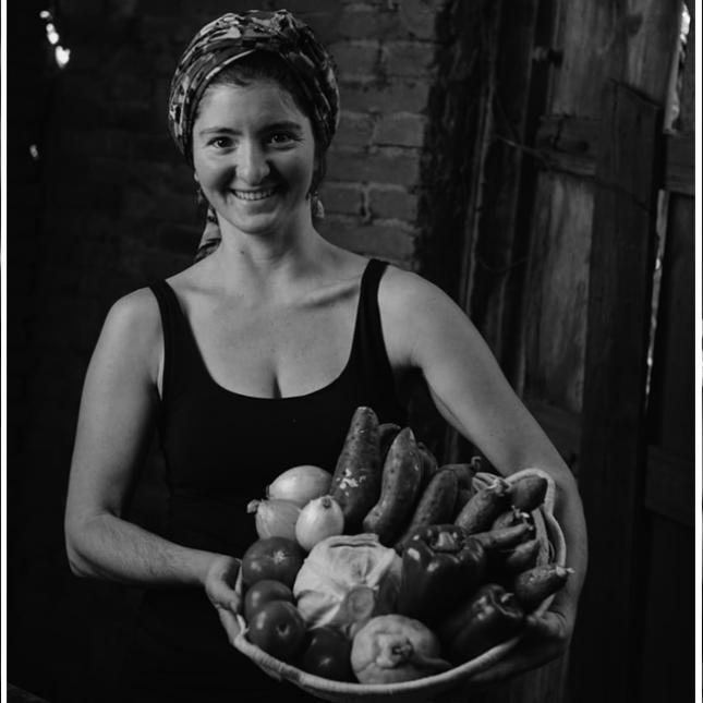 Flávia Altenfelder é gestora de comunicação de um projeto de agricultura sustentável, a Fazenda Malabar. Crédito: Fazenda Malabar